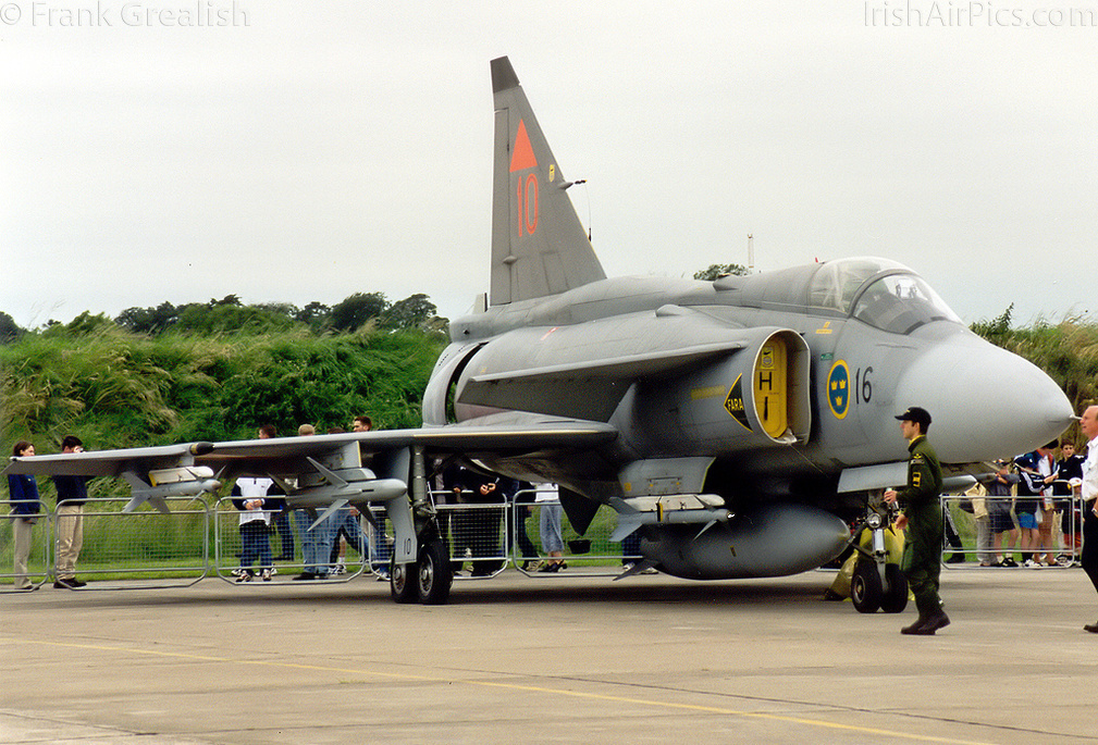 Saab JA37 Viggen 37410 at Baldonnel for an air show in 1997
