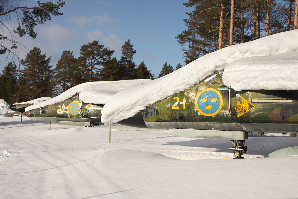 Saab SH37 Viggen 37927 at Lulea