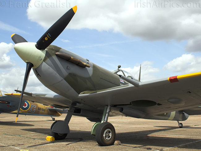 Supermarine Spitfire LF5b, G-LFVB, The Fighter Collection
